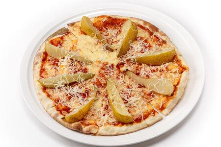 Пицца с козьим сыром и пьяной грушей