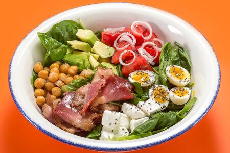 Кобб салат с пастрами