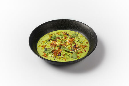 Крем-суп из зелёного горошка с авокадо