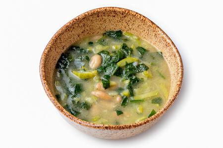 Суп с фасолью и шпинатом