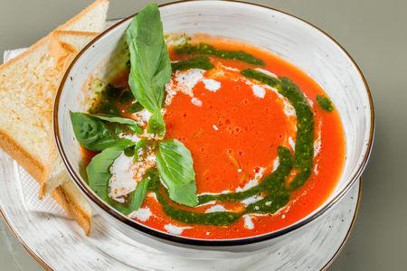 Суп Томатный с моцареллой и песто