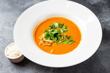 Суп Том Ям с креветкой и курицей