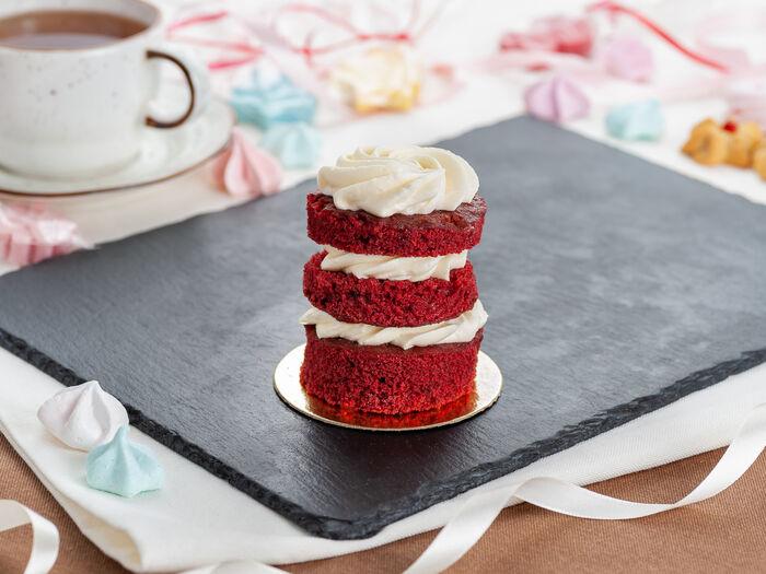 Красный бархат пирожное