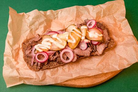 Бутерброд с ростбифом
