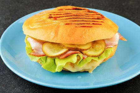 Сэндвич Панини с беконом
