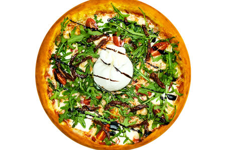 Пицца с сыром буррата и вялеными томатами