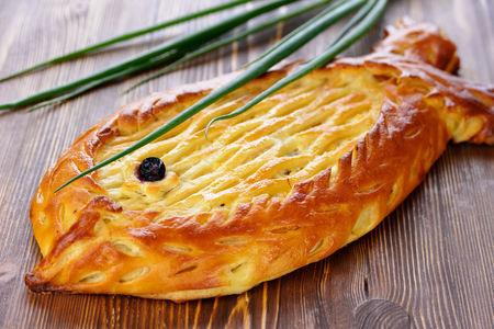 Пирог с сельдью и сметаной