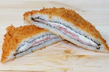 Суши сэндвич с беконом