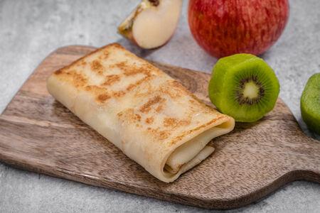 Блин с яблочно-ореховой начинкой