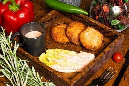 Крабкейки с соусом свит чили (3 шт)