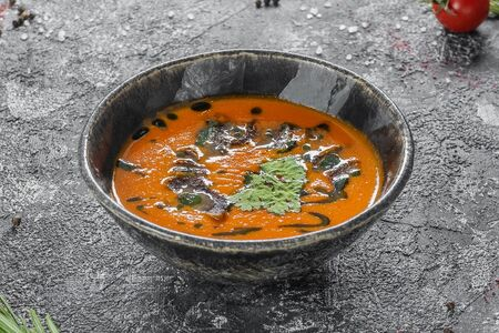 Томатный суп с нежной говядиной