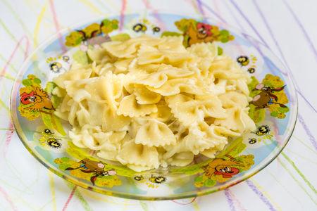 Макароны с топленым сливочным маслом под сыром