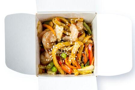 Перечная лапша с креветками и соусом терияки