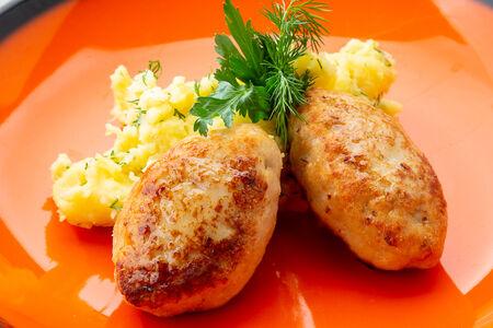 Котлеты Щучьи с толченым картофелем