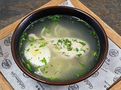 Куриный бульон с яичной лапшой