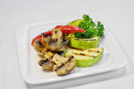 Овощи гриль в соевом соусе