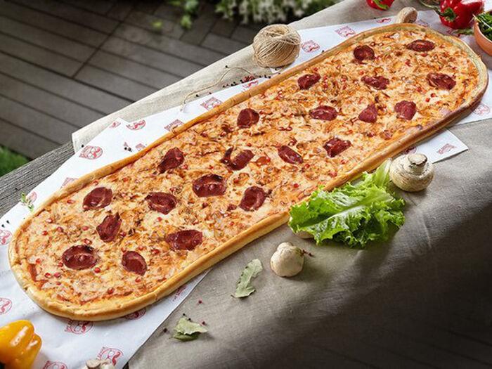 Метровая пицца Дон Гранат