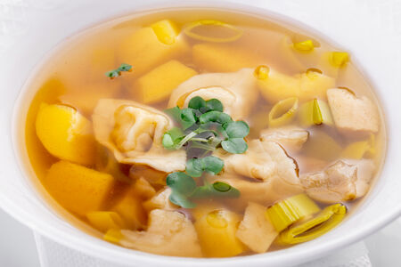 Традиционный суп из белых грибов c тортеллини