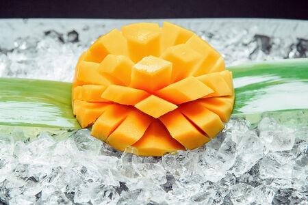 Королевское манго на льду