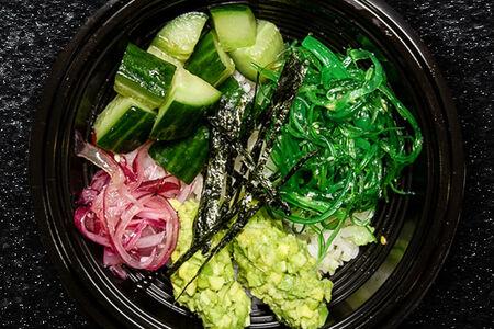 Поке с рисом овощной