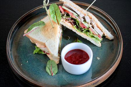Сэндвич с бужениной из индейки