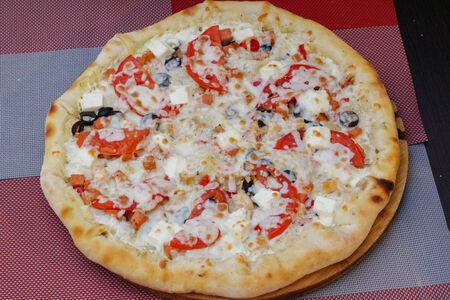 Пицца Греческая с сырным бортом