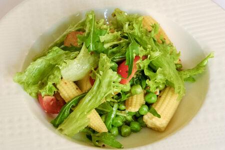 Салат с картофельными дольками