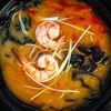 Фото к позиции меню Суп с креветками и лапшой