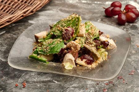 Салат с курицей и имбирной заправкой