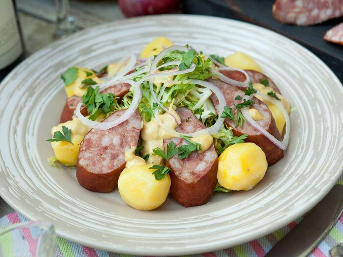 Колбаса  А-ля Морто с отварным картофелем