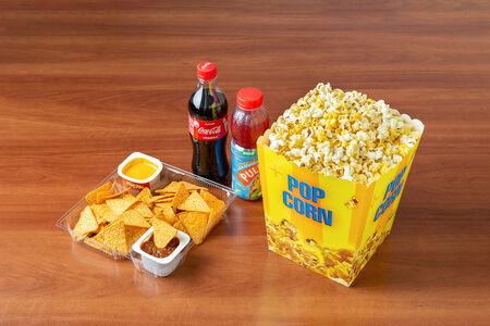 Комбо Все включено с соленым попкорном