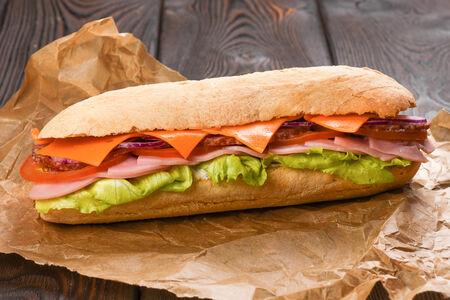 Сэндвич ветчина и салями