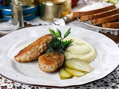 Котлеты по-домашнему с картофельным пюре
