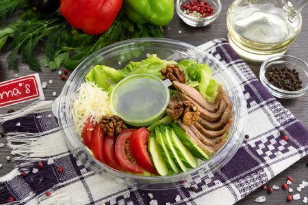 Микс-салат Болс с телятиной
