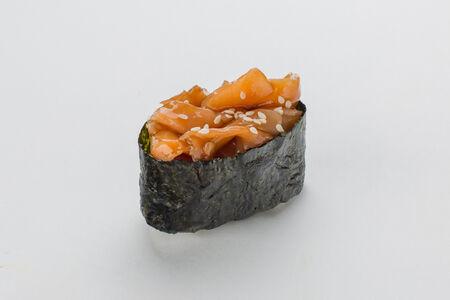 Суши Гункана нигири с лососем
