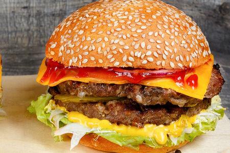 Бургер XL с двойной говяжьей котлетой