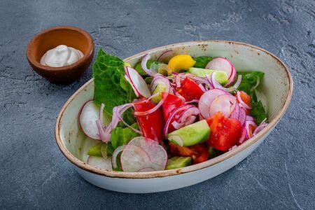 Из свежих овощей со сметаной