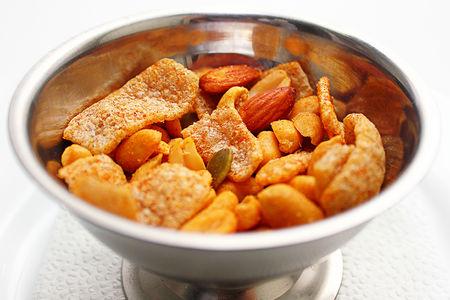Соленые орешки микс