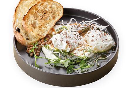 Яйцо пашот со сливочным муссом