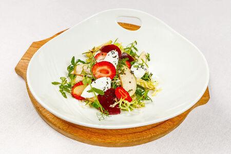 Салат с сыром Шавру