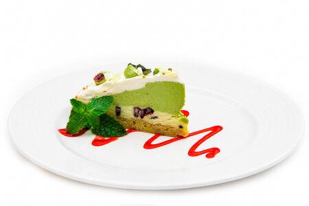 Торт зеленый чай с белым шоколадом