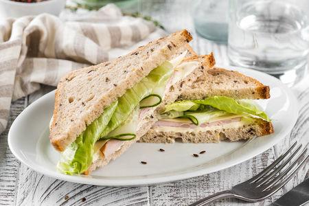 Сэндвич с индейкой по-дижонски