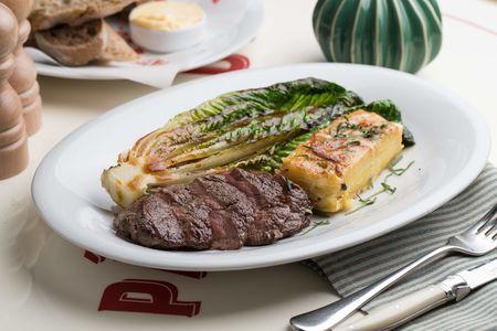 Филе говядины с картофельным гратеном