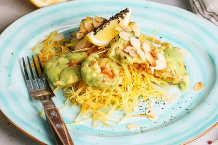 Креветки в панировке в соусе сладкий васаби