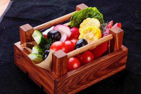 Овощи в ящике