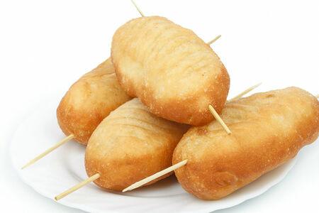 Пирожки жареные с сосиской и картофелем