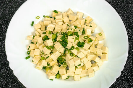 Тофу с зеленым луком
