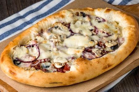 Пицца Сливочная с колбасками