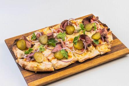 Римская пицца с ростбифом