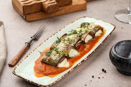 Инвольтини из баклажан на томатном соусе